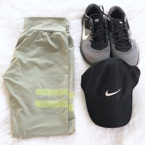 NEW Army green workout leggings • M